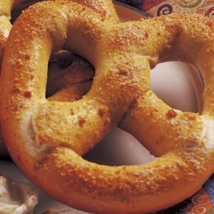 スイートクリームチーズブレッツェル  800_800